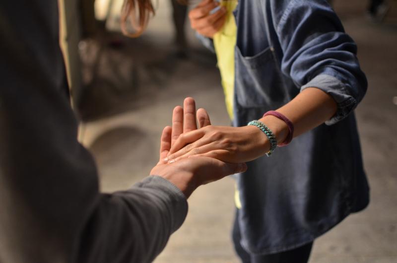 Donazioni e raccolte per sanità e persone più fragili, si moltiplicano le iniziative delle associazioni
